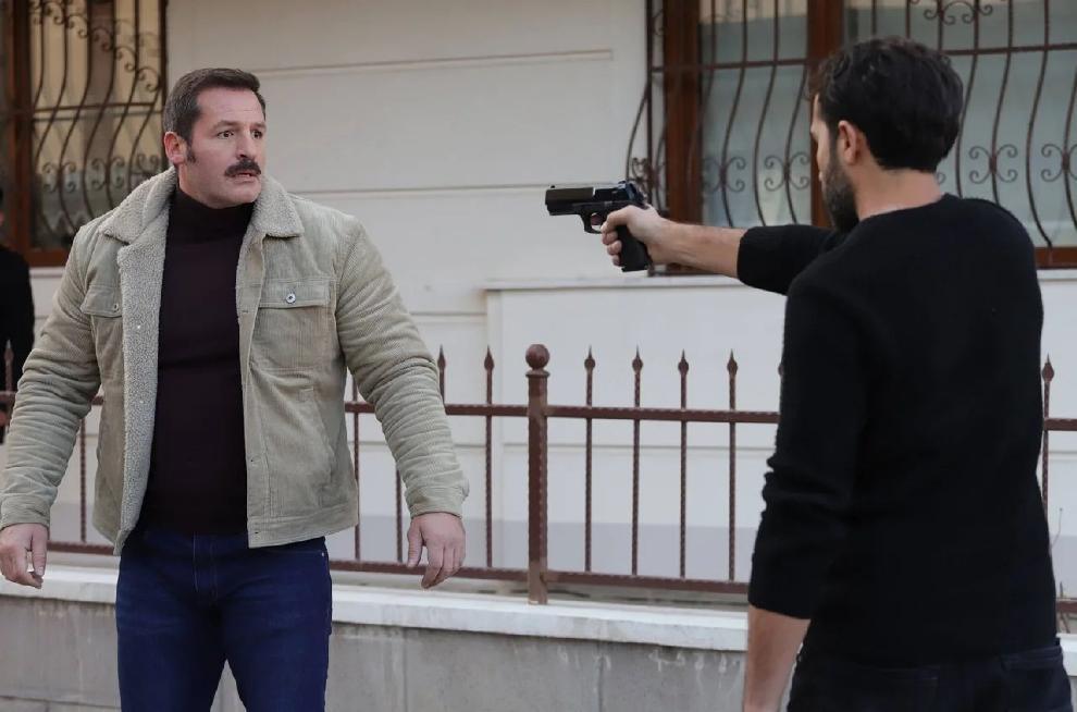 """кадр из сериала """"Разведка"""""""